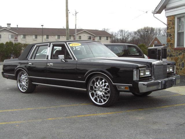 1988 lincoln town car for sale in wilmington delaware classified. Black Bedroom Furniture Sets. Home Design Ideas