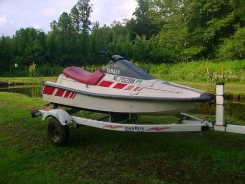 1989 500cc yamaha wave runner and load rite trailer for