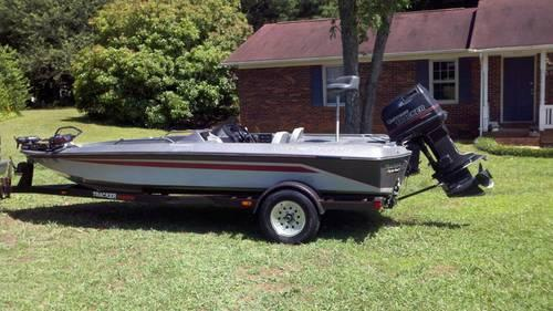 1989 bass tracker tournament 1800 fs with johnson 150 for sale in shelby north carolina. Black Bedroom Furniture Sets. Home Design Ideas