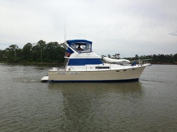 1989 Bayliner -38 ft. --Motor Yacht