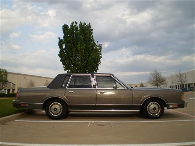 1989 lincoln town car for sale in plano texas classified. Black Bedroom Furniture Sets. Home Design Ideas