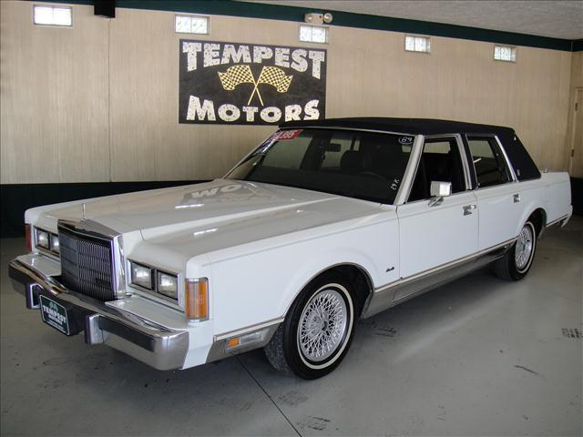 1989 lincoln town car signature for sale in akron ohio for Tempest motors in akron ohio