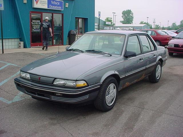 1989 Pontiac Sunbird LE for Sale in Pontiac, Michigan ...