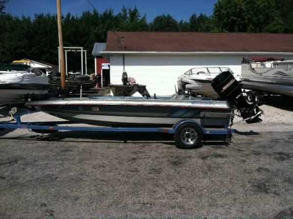1989 Winner 1660 Tournament Bass Boat With Mercruy 115