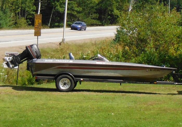 1990 bass tracker 18 39 fishing boat for sale in beaver lake for Bass tracker fishing boats