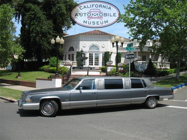 1990 Cadillac Fleetwood Limousine