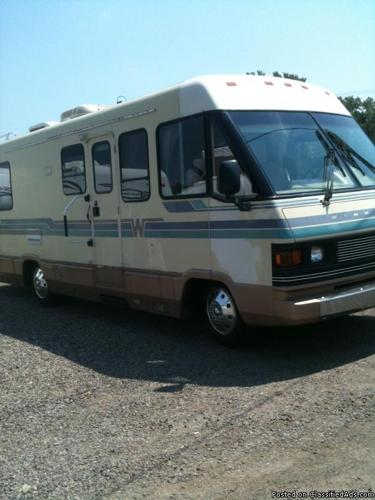 1990 Winnebago Chieftain for Sale in Ola, Arkansas