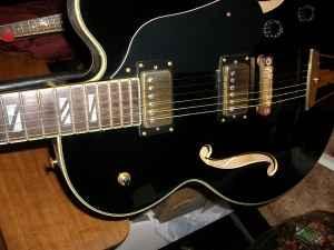 1990s washburn j9 guitar - $650 (bethany mo)