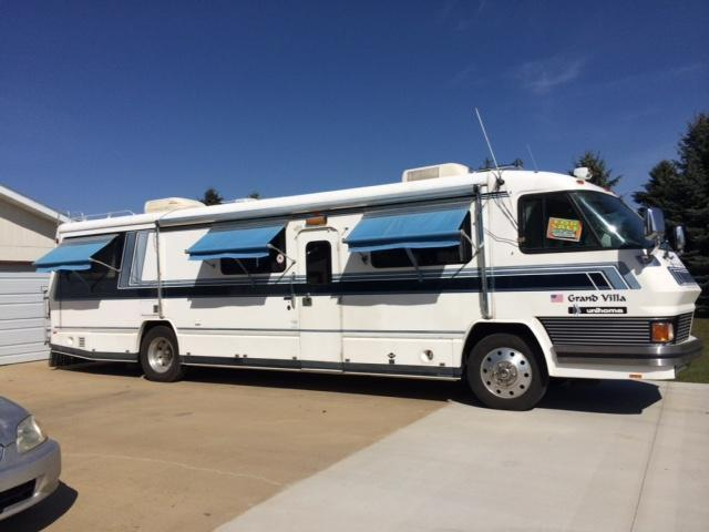 1991 Foretravel Grand Villa Unihome U240 For Sale in