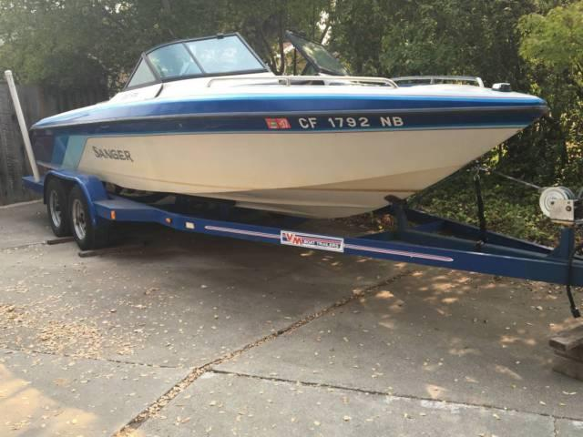 1991 Sanger FX22 22ft ski/ wakeboard boat Open Bow F/S