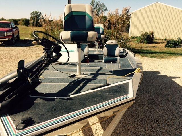 1992 17ft lowe bass boat for sale in overbrook  kansas mercury outboard motors