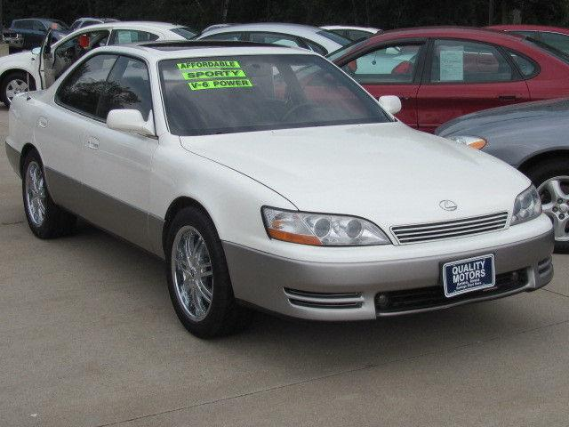 1992 lexus es 300 for sale in ames iowa classified. Black Bedroom Furniture Sets. Home Design Ideas