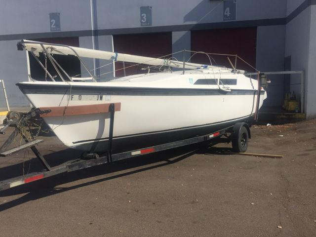 1992 Macgregor 26 Sailboat With Trailer Outboard Motor