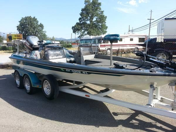 Auto Parts For Sale Redding California: 1992 Ranger 392V With Yamaha 200 HP...Showroom Condition