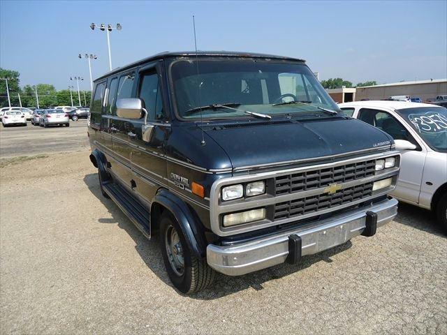 1993 chevrolet van for sale in pekin illinois classified. Black Bedroom Furniture Sets. Home Design Ideas