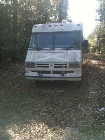 1993 ford silver eagle coach traveling trailer.