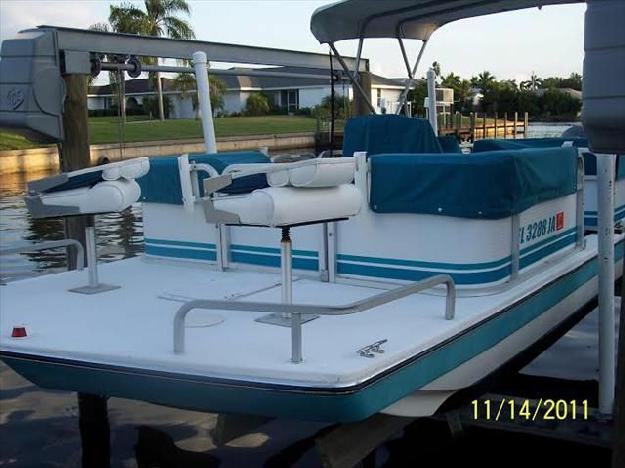 1993 hurricane deck boat for sale in cape coral florida classified. Black Bedroom Furniture Sets. Home Design Ideas
