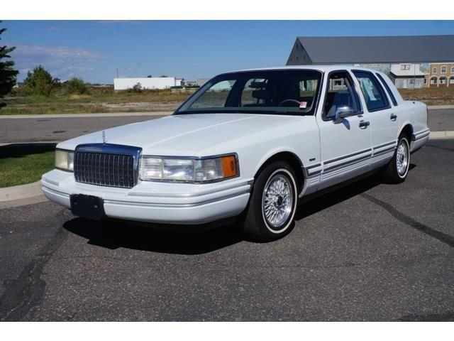 1993 Lincoln Town Car 4d Sedan Executive For Sale In