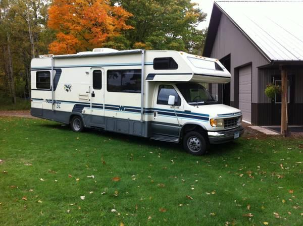 1993 minnie winnie 28 39 class c rv for sale in carlton. Black Bedroom Furniture Sets. Home Design Ideas