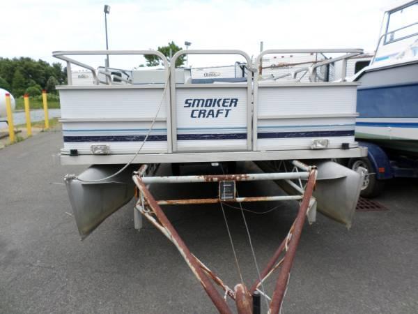 1993 smokercraft bassboat pontoon 28hp evinrude fishing for Fishing pontoon boat reviews