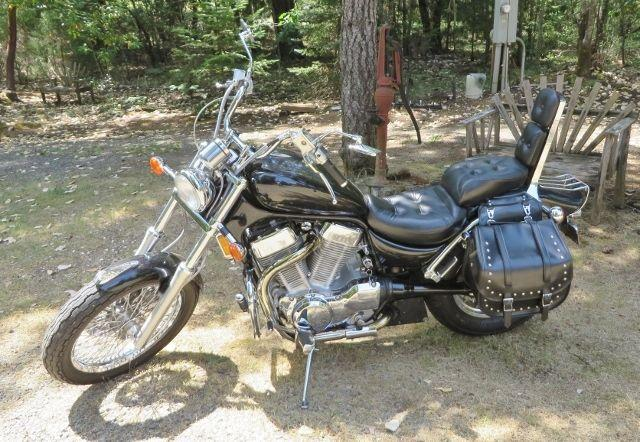 1993 Suzuki Intruder VS1400 Very low miles, Excellent