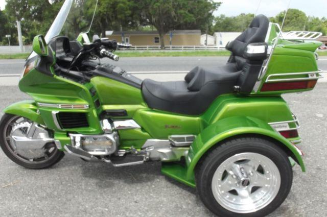 1994 GOLDWING TRIKE , LIME GREEN , VERY CLEAN