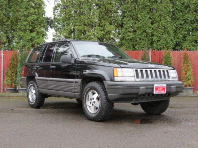 1994 jeep grand cherokee laredo 4x4 roof rack tow pkg for sale in happy valley oregon. Black Bedroom Furniture Sets. Home Design Ideas