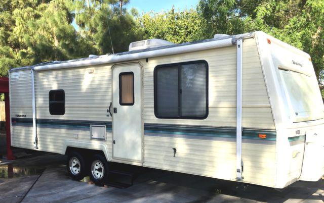 1994 savanna 28ft travel trailer by Fleetwood $5500