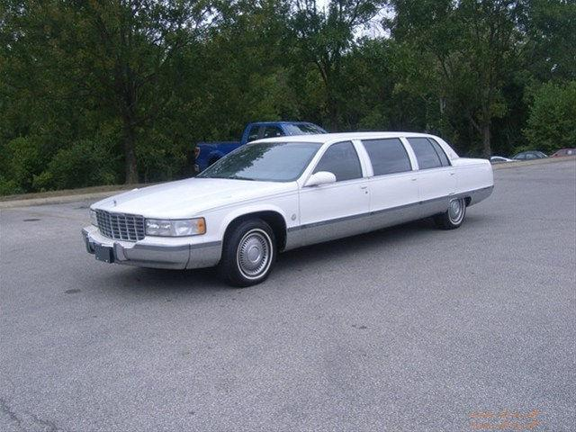 1995 cadillac fleetwood for sale in bloomington indiana classified. Black Bedroom Furniture Sets. Home Design Ideas