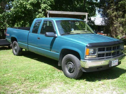 1995 chevy cheyenne 1500 4x4 ext cab with trailer 141 000 for sale in parkersburg west virginia. Black Bedroom Furniture Sets. Home Design Ideas
