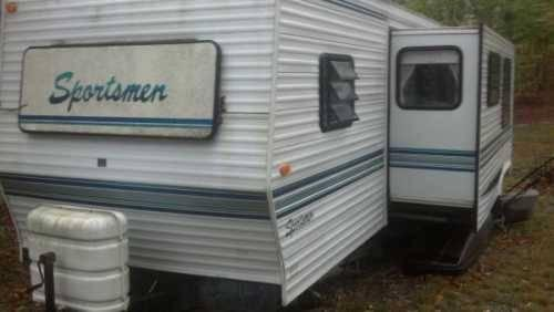 1995 Coachmen Sportsman Travel Trailer in Alfstead, NH