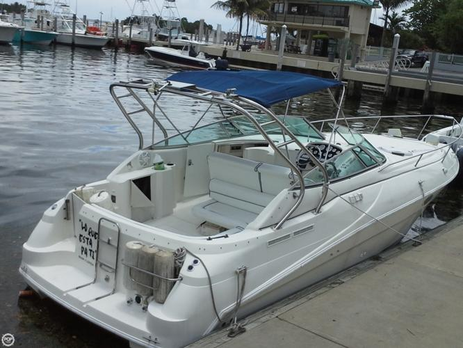 1995 Cruisers 32 Motor Yacht For Sale In Miami Florida