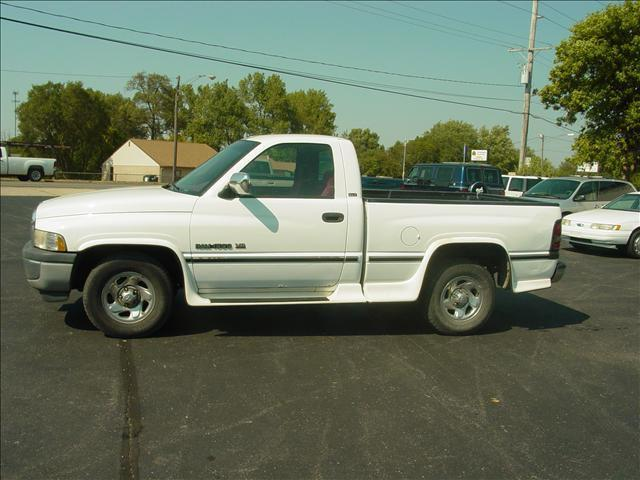1995 dodge ram 1500 lt for sale in decatur illinois classified. Black Bedroom Furniture Sets. Home Design Ideas