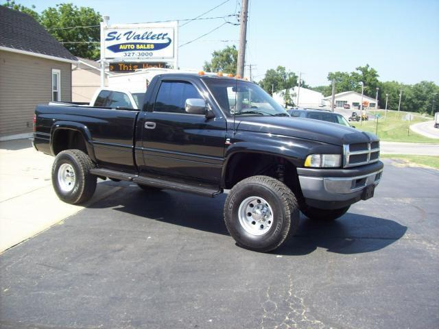 1995 dodge ram 2500 lt for sale in nashville illinois. Black Bedroom Furniture Sets. Home Design Ideas