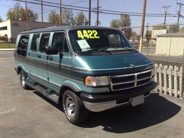 1995 dodge ram van b2500 for sale in ontario california classified. Black Bedroom Furniture Sets. Home Design Ideas