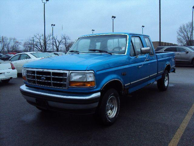 1995 ford f150 xl for sale in pekin illinois classified. Black Bedroom Furniture Sets. Home Design Ideas