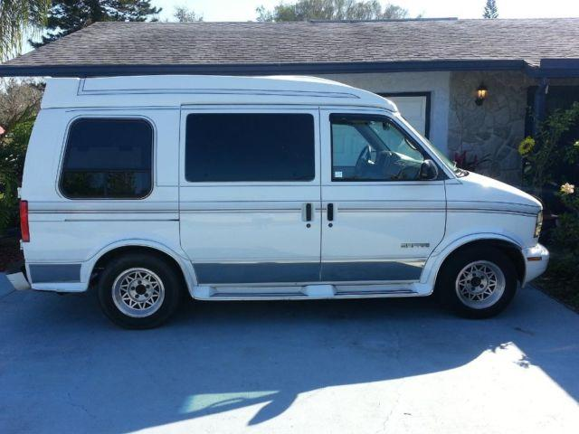 1995 gmc safari white conversion van for sale in palmetto florida classified. Black Bedroom Furniture Sets. Home Design Ideas