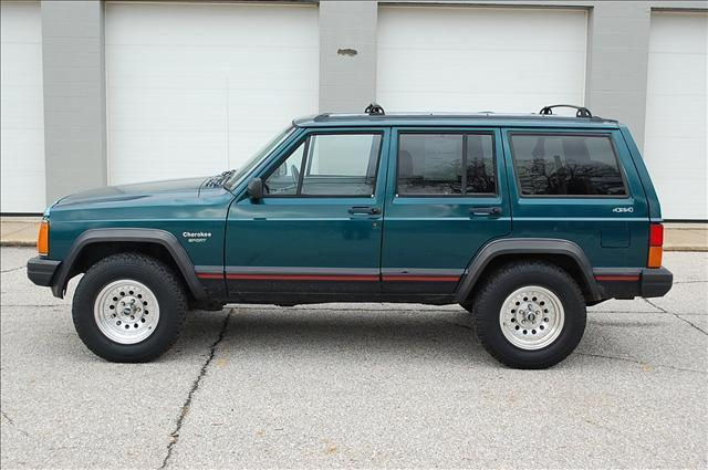1995 jeep cherokee sport for sale in mogadore ohio classified. Black Bedroom Furniture Sets. Home Design Ideas