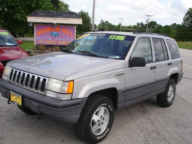 1995 jeep grand cherokee se for sale in germantown wisconsin classified. Black Bedroom Furniture Sets. Home Design Ideas