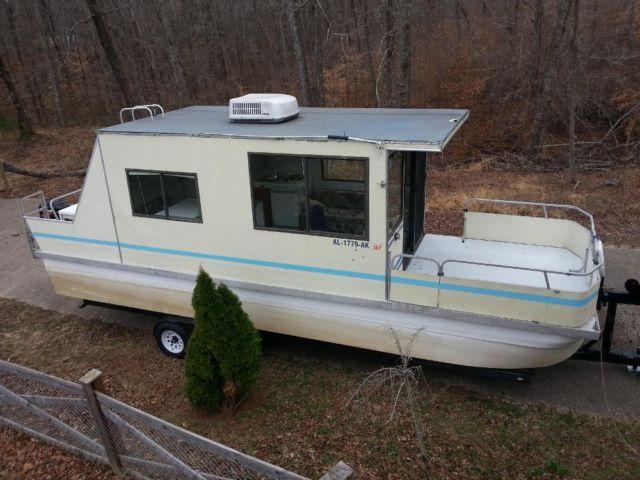 1995 Little Hobo 30 ft houseboat, Mercury 50 Hp 4 Stroke  Trailer