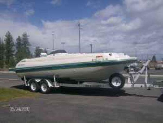 1995 Monterey Deck Boat