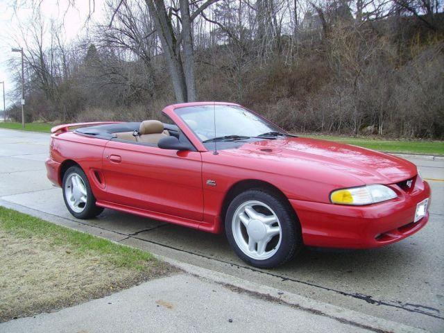 1995 mustang gt convertable 5 0ho low miles only 54k for sale in sheboygan wisconsin. Black Bedroom Furniture Sets. Home Design Ideas