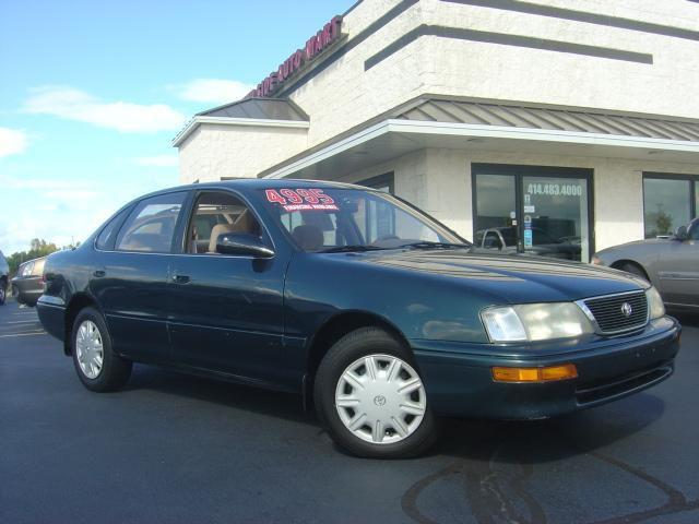 1995 toyota avalon xl for sale in cudahy wisconsin. Black Bedroom Furniture Sets. Home Design Ideas
