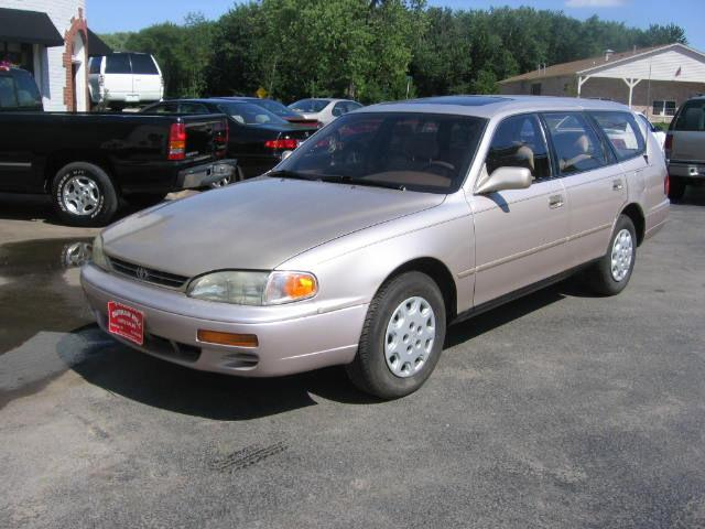 1995 toyota camry le for sale in muskego wisconsin. Black Bedroom Furniture Sets. Home Design Ideas