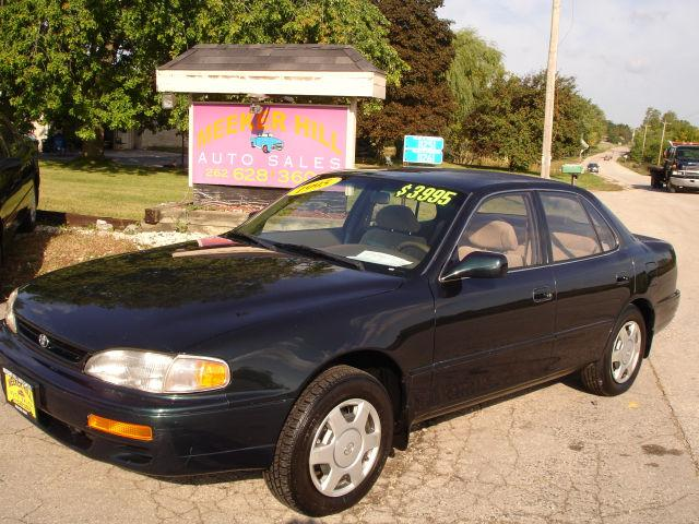 1995 toyota camry le v6 for sale in germantown wisconsin. Black Bedroom Furniture Sets. Home Design Ideas
