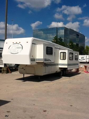 1996 35ft Travel Supreme For Sale In Odessa Texas