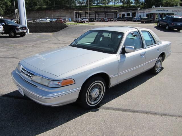 1996 Ford Crown Victoria For Sale In Ripon Wisconsin