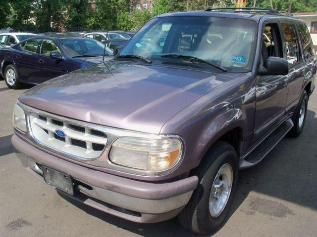 1996 ford explorer for sale in newark new jersey classified. Black Bedroom Furniture Sets. Home Design Ideas