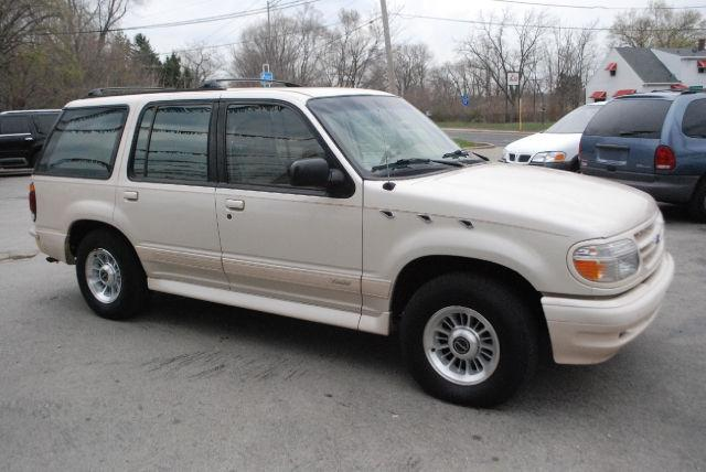 1996 ford explorer limited for sale in markham illinois classified. Black Bedroom Furniture Sets. Home Design Ideas