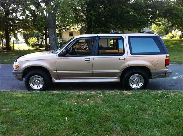 1996 ford explorer xlt for sale in kernersville north carolina classified. Black Bedroom Furniture Sets. Home Design Ideas